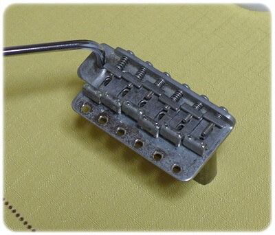 FenderUSAサイズのFREEDOMのシンクロナイズドトレモロ、SP-ST-01