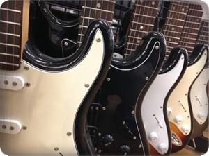エレキギターを店頭で購入する場合