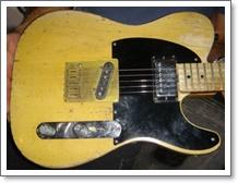 キースのメインギターミカウバー