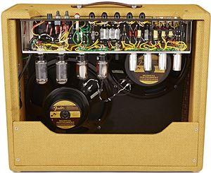 FENDER / 57 Custom Twin-Ampの内部