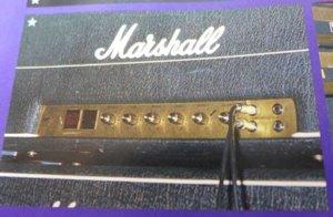 マイケル・シェンカーのギターアンプ1987(50w)を直列に繋いでいる写真?02