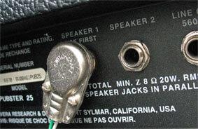スピーカー出力端子付きチューブアンプ