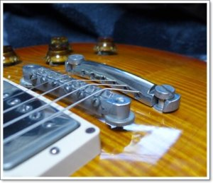 テールピースの上下で出音の微調整 レスポールの弦の張り方