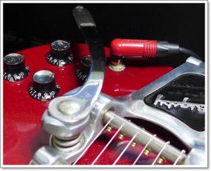 ギブソン系ギター(SG)にはL型プラグが良い