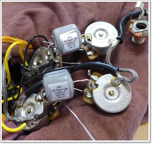 ギブソンSGにHGCのオイルコンデンサー取り付け