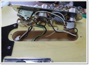 コントロールキャビティーに導電塗料1