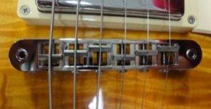 現行モデルに採用されるナッシュビルタイプのブリッジ