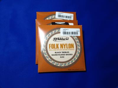 フォークギターにも張れるボールエンド付きのナイロン弦を買ってみた