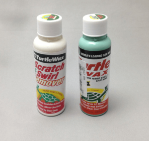 Turtle Wax Super Hard Shell(青)と、Scratch & Swirl Remover (白)
