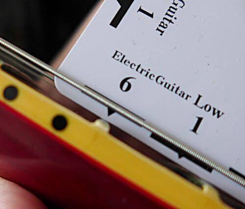 弦高チェックに便利なFritz ruler6弦側