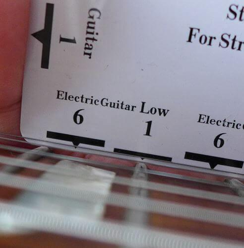 弦高チェックに便利なFritz ruler1弦側