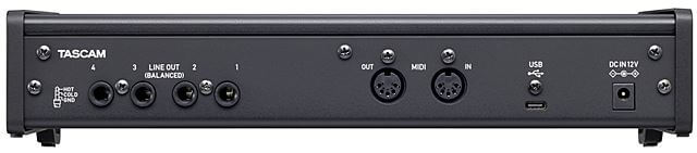 TASCAM US-4x4HR リアパネル