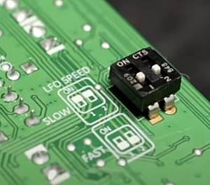 TC ELECTRONIC JUNE-60 V2内部に搭載されたディップスイッチ