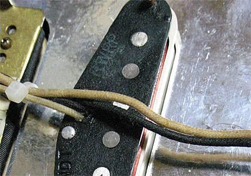 Crews Jimi'sはハーフトーン時にハムキャンセルが可能なリバース・ワイヤリング仕様(RW/RP)