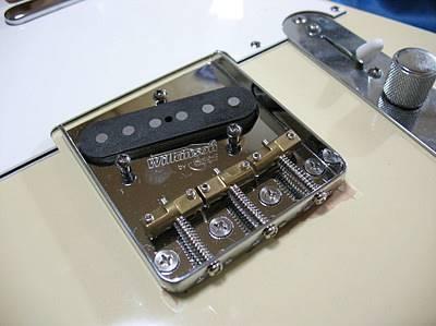 フェンダーのアメリカンスタンダード・テレキャスター(現行モデルだとAmerican Ultra Telecaster)にWilkinson WTBを改造取り付け