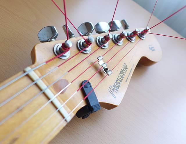 ROTOSOUND RED LION エレキギター弦をストラトキャスターに張ってみた