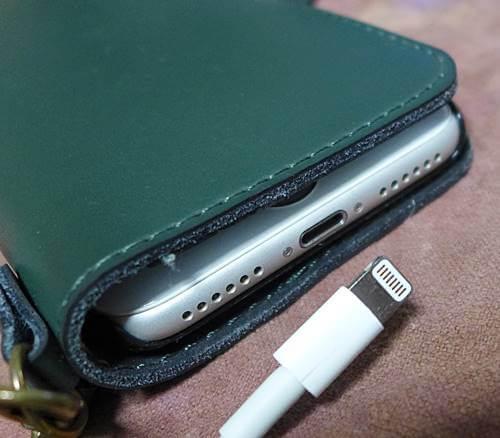 充電できなくなったiPhoneの充電端子もCAIG DeoxIT D5S-6で復活!